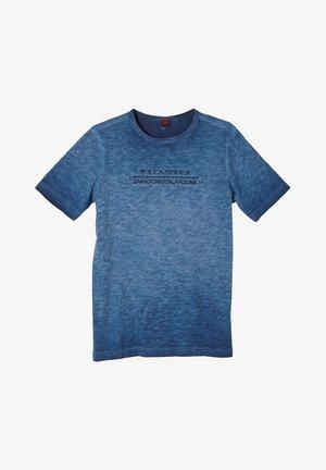 MIT FLAMMGARN-STRUKTUR - T-shirt print - blue