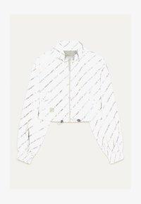 Bershka - REFLEKTIERENDE CROPPED-JACKE 01242644 - Summer jacket - light grey - 4