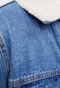 Bershka - Džínová bunda - blue denim - 5