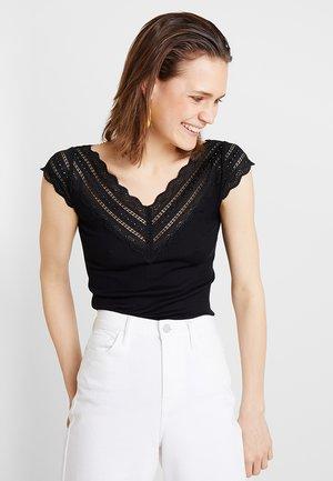 REGULAR WIDE - T-shirts med print - black
