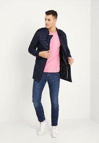 GANT - THE ORIGINAL - T-shirt - bas - pink rose - 1