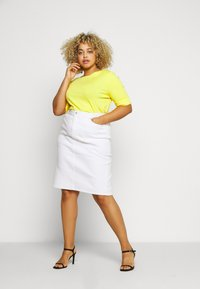 Lauren Ralph Lauren Woman - JUDY ELBOW SLEEVE - Basic T-shirt - hampton yellow - 1