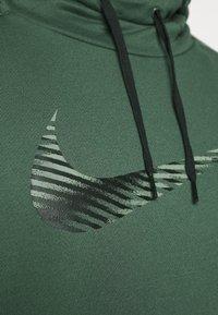 Nike Performance - DRY HOODIE - Mikina skapucí - galactic jade - 5