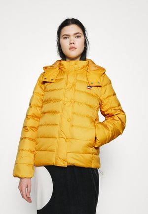 CORE PUFFER - Down jacket - gold coast