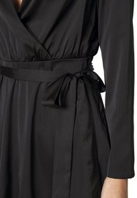 Nly by Nelly - BELTED WRAP DRESS - Cocktail dress / Party dress - black - 4