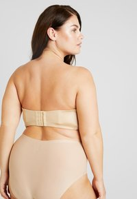 SAVAGE X FENTY - PLUS STRAPLESS BRA - Reggiseno con spalline regolabili - honey - 5