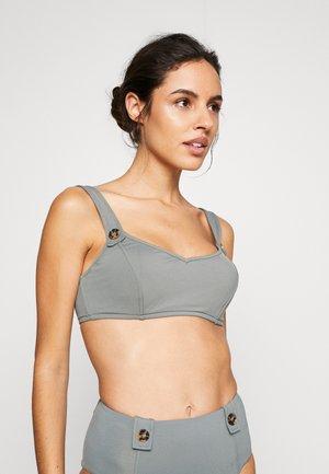 ACTIVE CUP TANK - Bikini top - oliveleaf