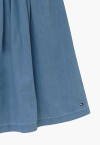 Tommy Hilfiger - LIGHTWEIGHT DENIM MIDI - Jupe trapèze - denim - 3