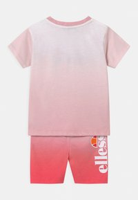 Ellesse - CONSTANCIE SET UNISEX - Shorts - pink - 1