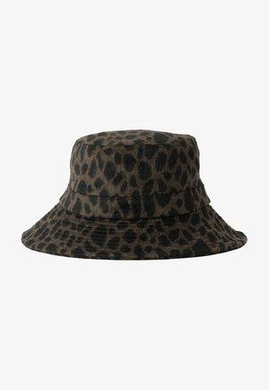 Hat - dark green