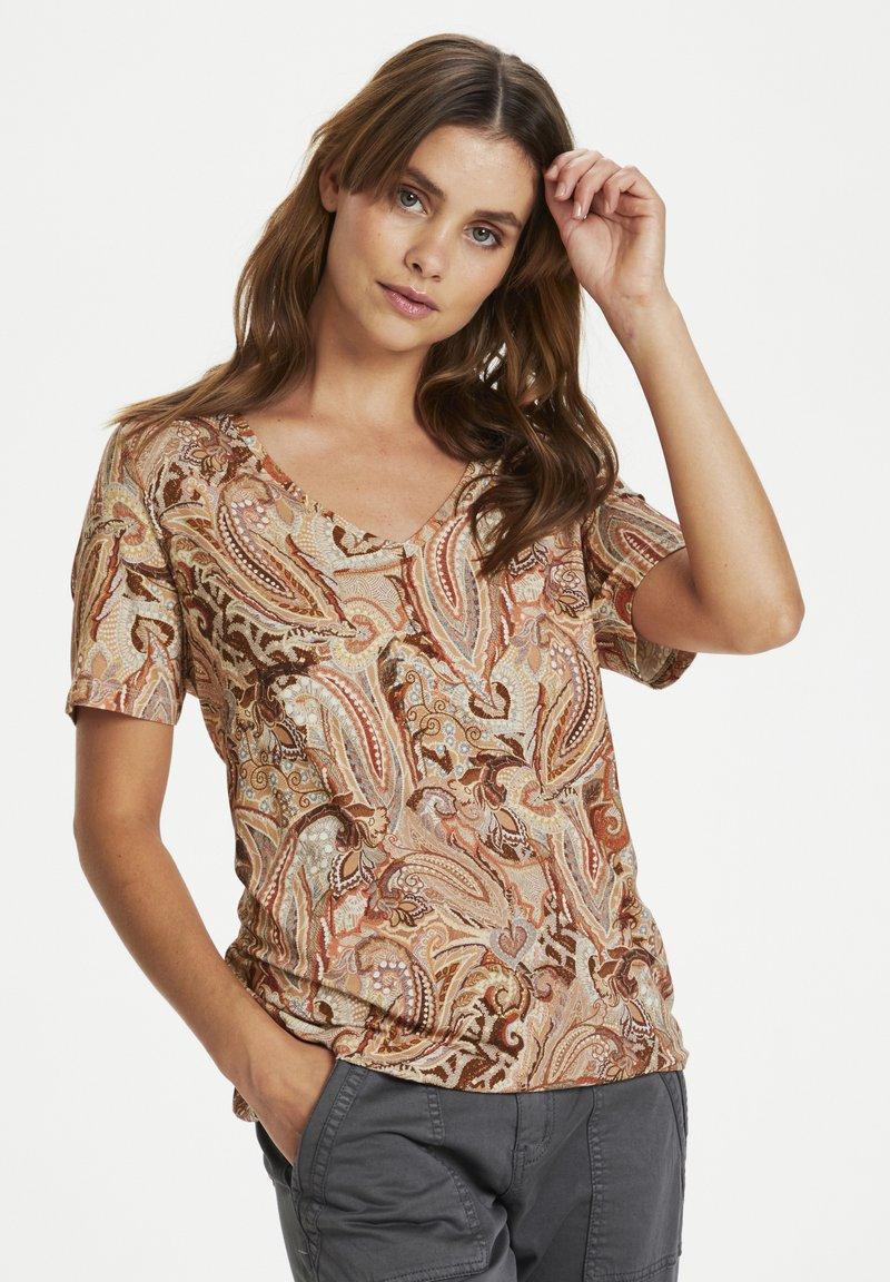 Cream - CRLULLA - Print T-shirt - rose brown paisley
