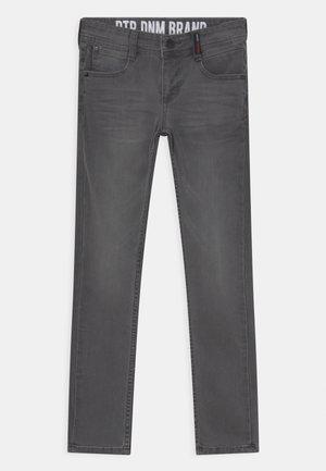 TOBIAS - Jeans slim fit - medium grey denim
