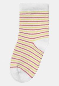 Name it - NKFBETRIA 6 PACK - Socks - silver/pink - 1