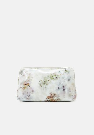 SAVVA - Wash bag - ivory
