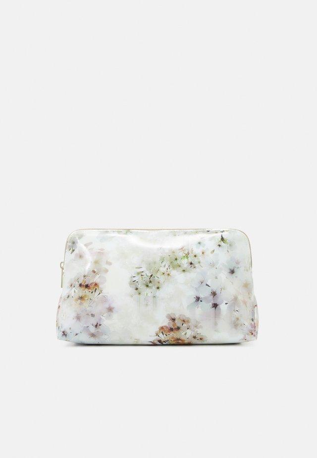 SAVVA - Kosmetická taška - ivory
