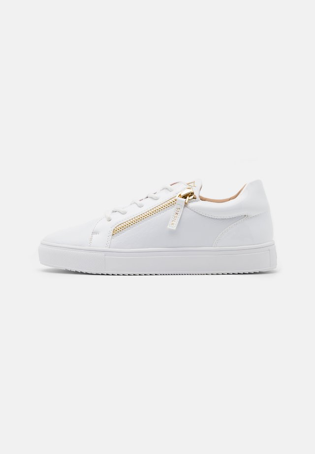 LEGACY - Trainers - white