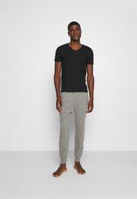 Hollister Co. - JOGGER LOUNGE BOTTOMS - Bas de pyjama - grey - 1