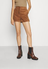Molly Bracken - LADIES - Shorts - camel - 0