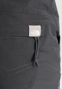 The North Face - W EXPLORATION CONVERTIBLE PANT - EU - Bukser - asphalt grey - 9