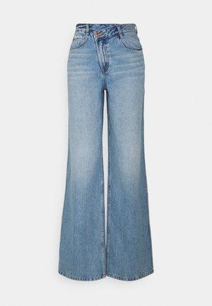 Široké džíny - middle blue