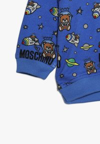 MOSCHINO - HOODED - Kapuzenpullover - bluette toy space - 4