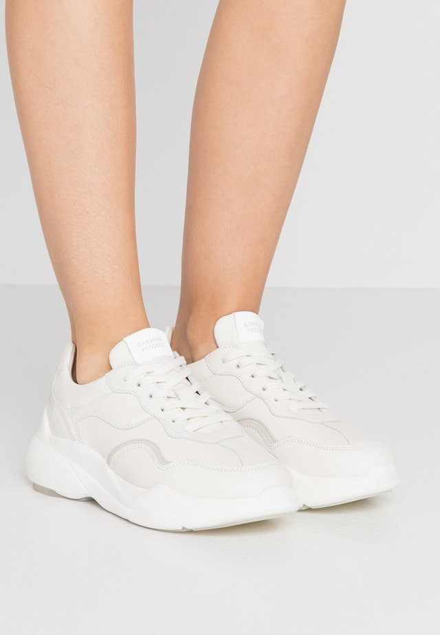 BANK - Sneaker low - offwhite