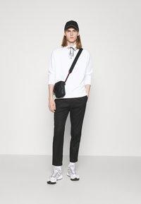 HUGO - DARRETT - Sweatshirt - white - 1