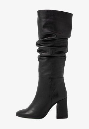 Boots med høye hæler - savage black