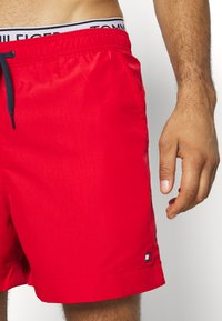 Tommy Hilfiger - MEDIUM DRAWSTRING - Swimming shorts - red - 3