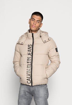 ESSENTIALS JACKET - Winter jacket - crockery