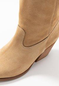 mtng - CENTA - Cowboy/Biker boots - beige - 2