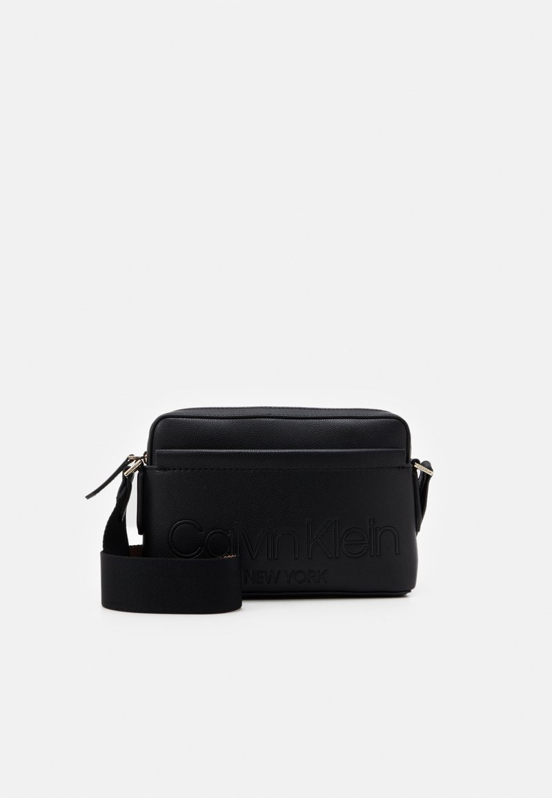 Calvin Klein - CAMERA BAG - Skulderveske - black