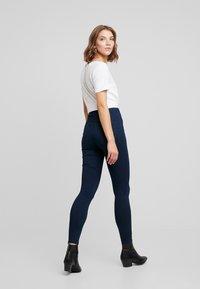 Vero Moda - VMJOY MIX - Jeans Skinny Fit - dark blue denim - 2