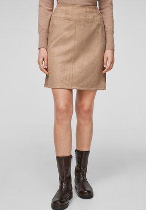 IN VELOURSLEDER OPTIK - A-line skirt - camel