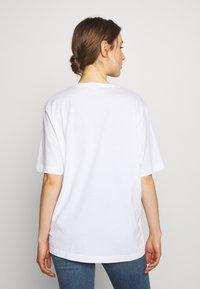 Love Moschino - T-shirt imprimé - optical white - 2