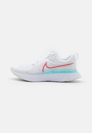 REACT INFINITY RUN FK 2 - Neutral running shoes - white/chile red/glacier ice/photon dust