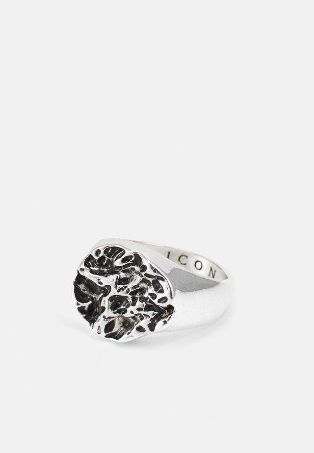 MOLTEN ROUND SIGNET - Ring - silver-coloured