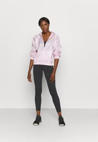 Reebok - TRACKSUIT - Tracksuit - frost berry - 1
