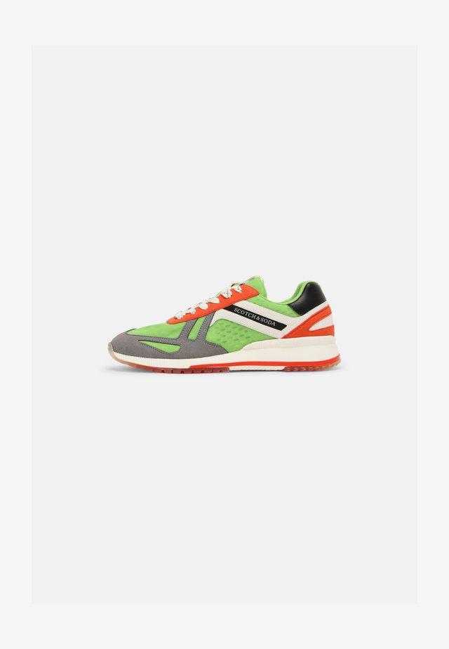 VIVEX - Sneakers basse - green/multi