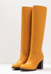 Lazamani - Vysoká obuv - yellow - 4