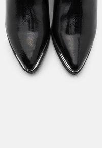 4th & Reckless - DARCY - Kovbojské/motorkářské boty - black - 5