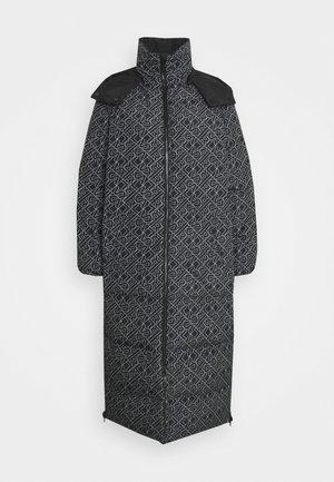 REVERSIBLE COAT - Down coat - black/white