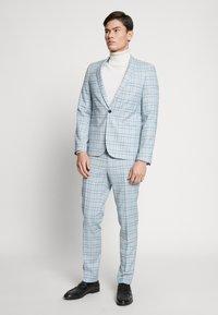 Viggo - ESPOO SUIT SET - Kostym - baby blue - 0