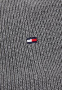 Tommy Hilfiger - FLAG SNOOD  UNISEX - Sjaal - grey - 2