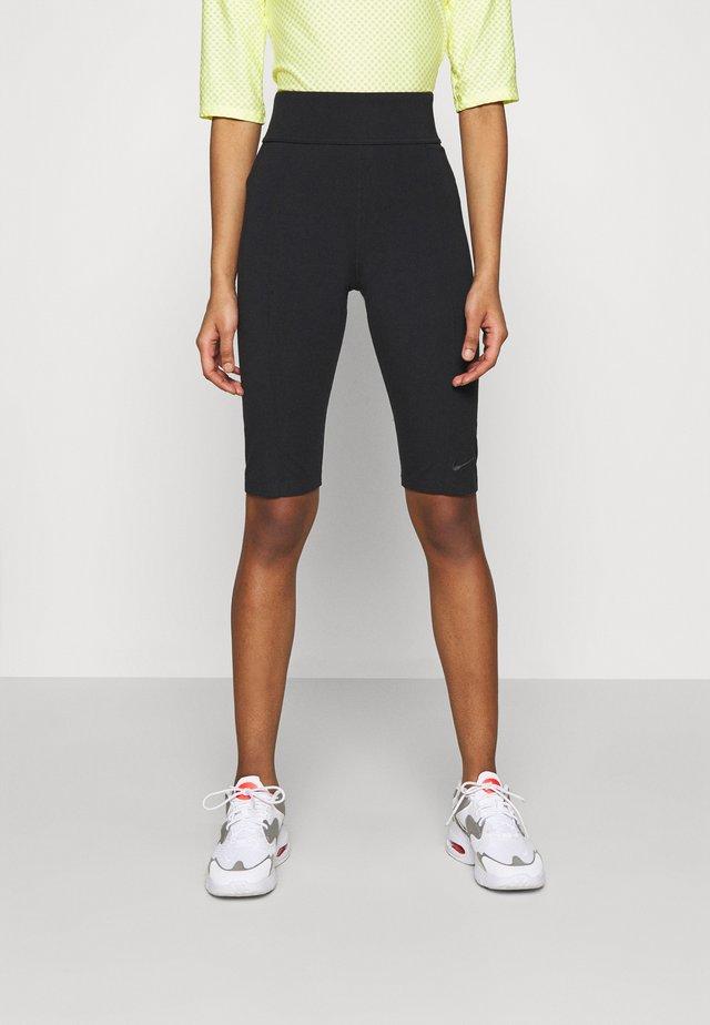 KNEE - Shorts - black