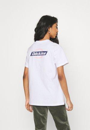 RUSTON TEE - Print T-shirt - white