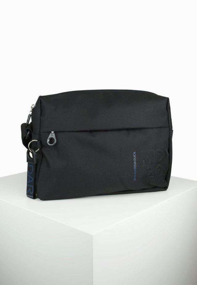 QMTV - Across body bag - black