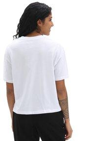 Vans - WM ROSE GARDEN BOXY - Print T-shirt - white - 1