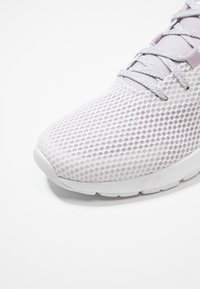 adidas Performance - SOORAJ VERUM CLOUDFOAM RUNNING SHOES - Chaussures de running neutres - footwear white/mauve - 5