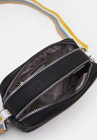 Tamaris - CHRISTA - Across body bag - black - 2